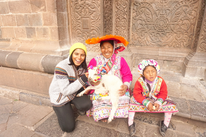 LLlama ladies, Cusco